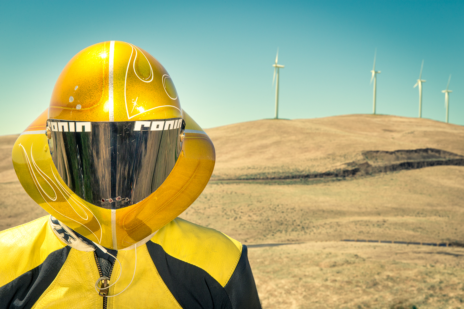 maryhill_yellow_helmet